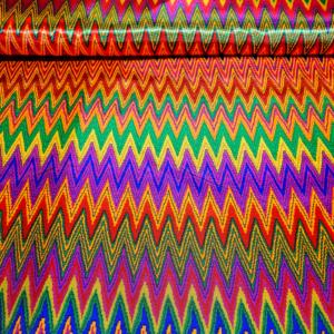 Carnaval stof zigzag print